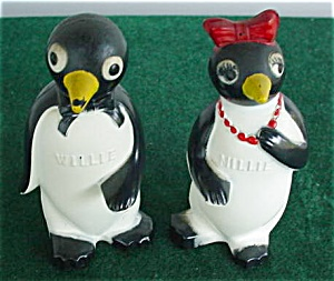 F&F Willie & Millie Plastic Penguin Shakers (Image1)