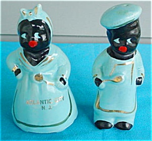 Mammy & Chef Black Souvenir Shakers (Image1)