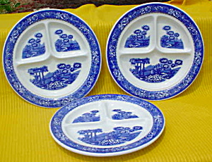 3 Warwick Tudor Rose 9 in. Grill Plates (Image1)