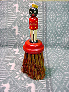 Black Americana Man Handled Brush (Image1)