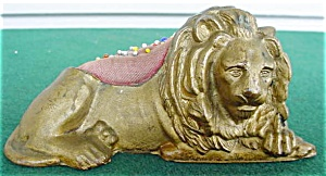 Old Lion Pin Cushion (Image1)