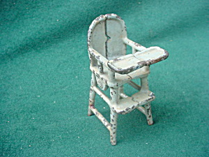 Vintage Cast Iron Doll Furniture High Chair (Image1)