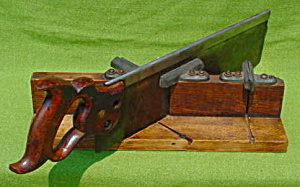 Old Mitre Box w/Saw (Image1)