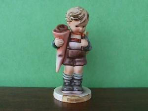 Little Scholar Hummel Figurine (Image1)