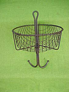 Early Miners Wire Hanging Basket Kitchen Deco (Image1)