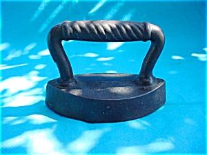 Early Small Size Sad Iron (Image1)