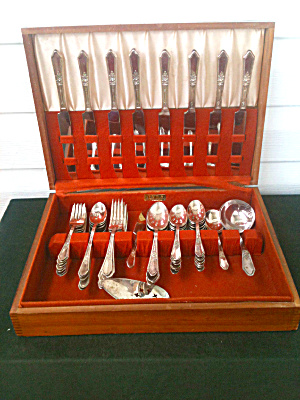 59 Pc. International Silverware Set ROSEDALE (Image1)