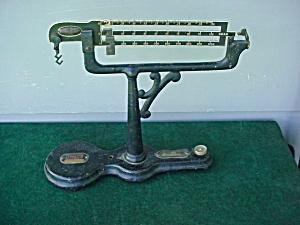 Older Ohaus Gram Scale (Image1)