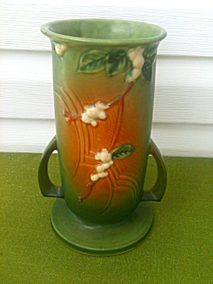 Roseville Snowberry Handled Vase (Image1)
