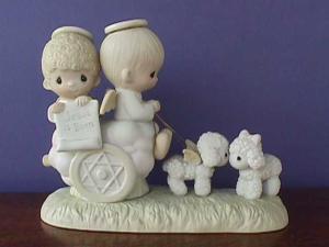 Precious Moments Jesus Is Born (Image1)