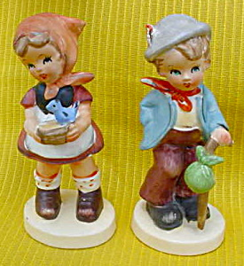 Pr. of Hummel-Like Figurines Boy/Girl (Image1)