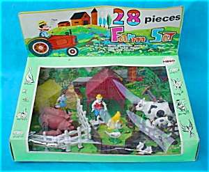 Mego 28 Pc. Farm Set w/Org. Sealed Box (Image1)