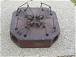 Victor Primitive Wooden Mouse Trap (Image1)