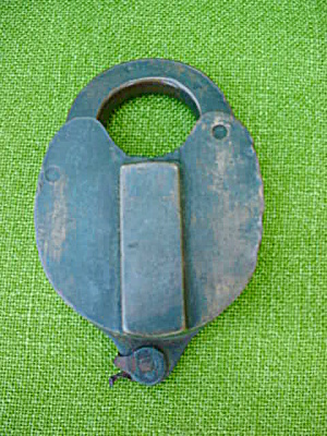 Old Brass Lock--SAFE (Image1)