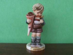Click here to enlarge image and see more about item h2: Little Scholar Hummel Figurine