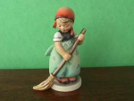 Click here to enlarge image and see more about item hd32: Little Sweeper Hummel Figurine
