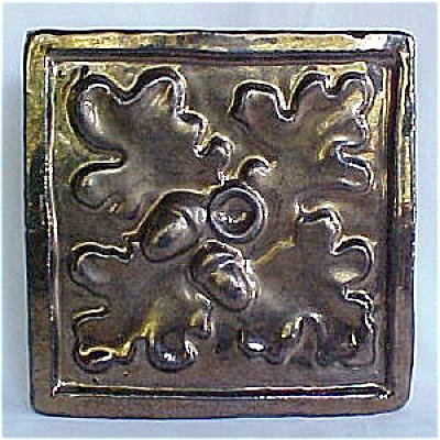 Lustre Tile Oak Leaf & Acorns (Image1)