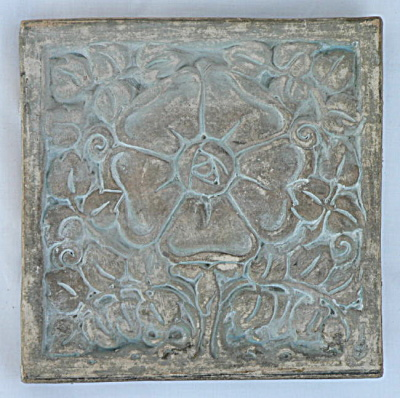 Giant Flower Tile by Batchelder (Image1)