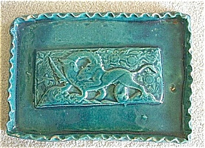 Serpent and animal pottery tray (Image1)
