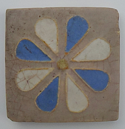 "4"" Wheatley Tile With Stylized Flower"