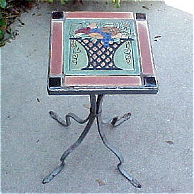 Empire Or Flint Faience A&c Tile Table