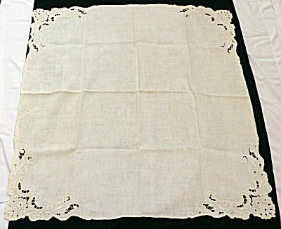 Linen Bridge Cloth & Matching Napkins (Image1)