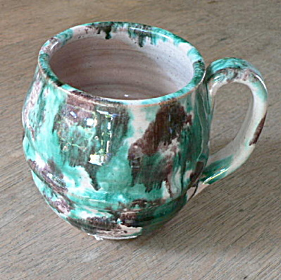 Williamsburg Tourist Ware Pottery Handled Mug (Image1)