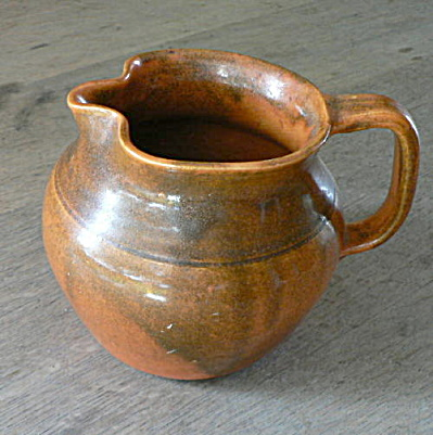 Southern Folk Pottery Water Pitcher (Image1)