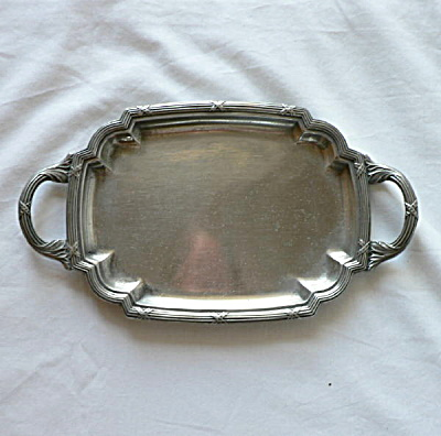 Osiris Handled Tray (Image1)