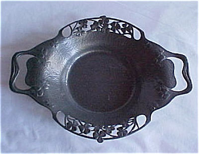 Tudric Arts & Crafts Handled Dish (Image1)