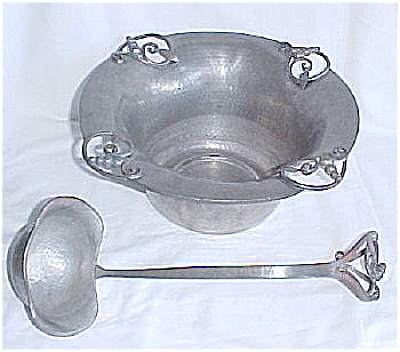 Nekrassoff Punch Bowl, Underplate and Ladle (Image1)