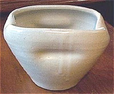 ZSC pot - hand thrown #F6 (Image1)