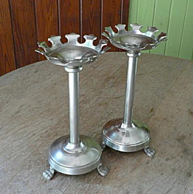 Metal Candleholders for Pillar Candles (Image1)