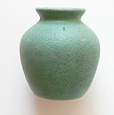 Teco Pottery Matte Green Cabinet Vase Art Pottery At Antique Tiles