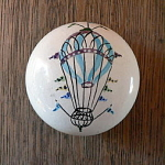 Click here to enlarge image and see more about item StbxBalloon: Hot Air Balloon Paperweight / Doorknob