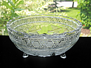 Bird and Strawberry Pattern Glass 3 Footed Bowl (Image1)