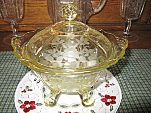 Cambridge Glass Apple Blossom Yellow Candy Box W/lid