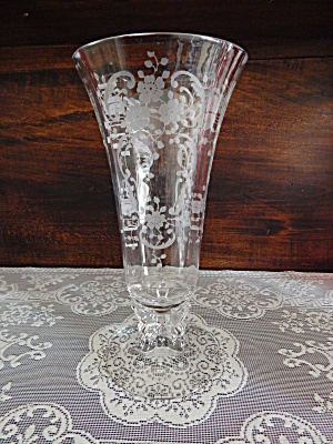 Fostoria Meadow Rose Footed Vase (Image1)
