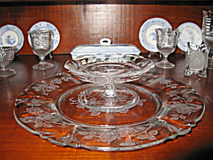Heisey Rose Etched Empress Cheese & Cracker Set