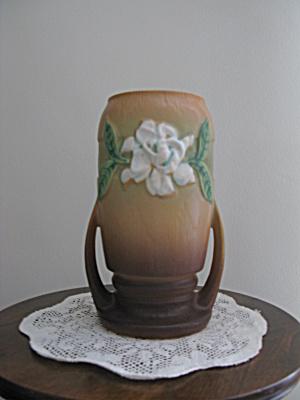 Roseville Gardenia #683 Vase (Image1)