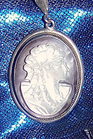 Shell Cameo Pendant Set In 835 Silver Frame, 800 Silver Necklace.