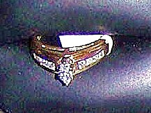 Ladies 14k yellow gold ring w/ diamond in white gold head. (Image1)