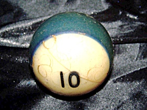 Antique billiard ball '10' bakelite. (Image1)
