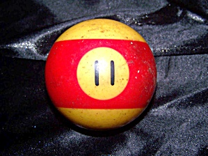 Antique billiard ball '11' bakelite. (Image1)