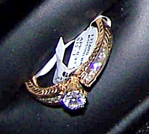 Ladies 14k yellow gold etched finish ring. (Image1)