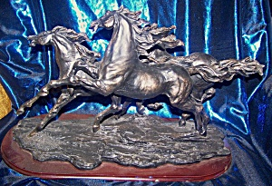 Sculpt Of Three Horses Galloping.