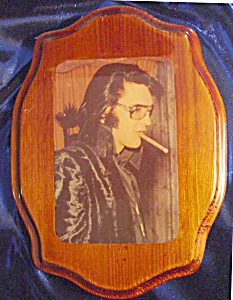 ELVIS PROFILE ORIGINAL LACQUERED PHOTO ON WOOD (Image1)
