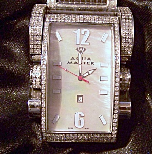 Aqua Master 4.35 Ct Men's Diamond Watch W Mother Of Pearl Face.