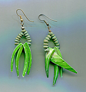 WOODEN NATIVE EARRINGS (Image1)