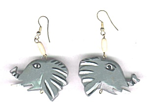 WOODEN ELEPHANT HEAD EARRINGS (Image1)